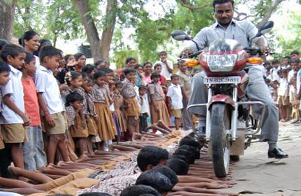 IndiaTv87363e_stunt