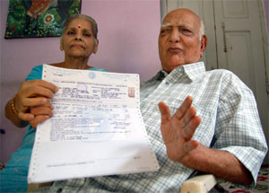 India Elderly couple